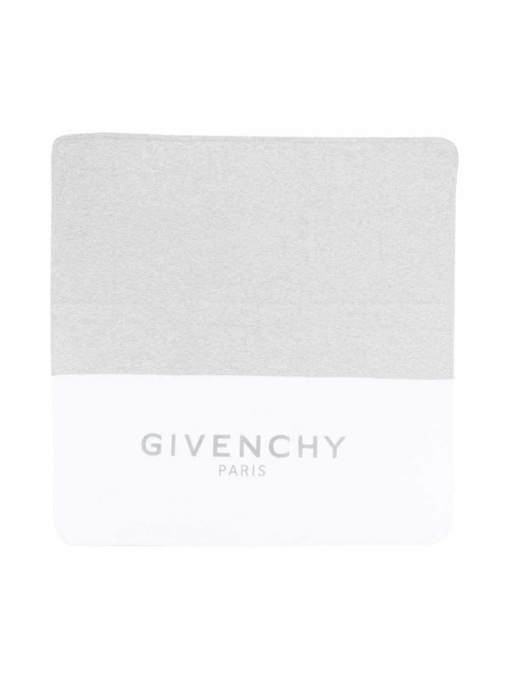 H90092 / N00 WHITE GREY / Blanket With Large Logo