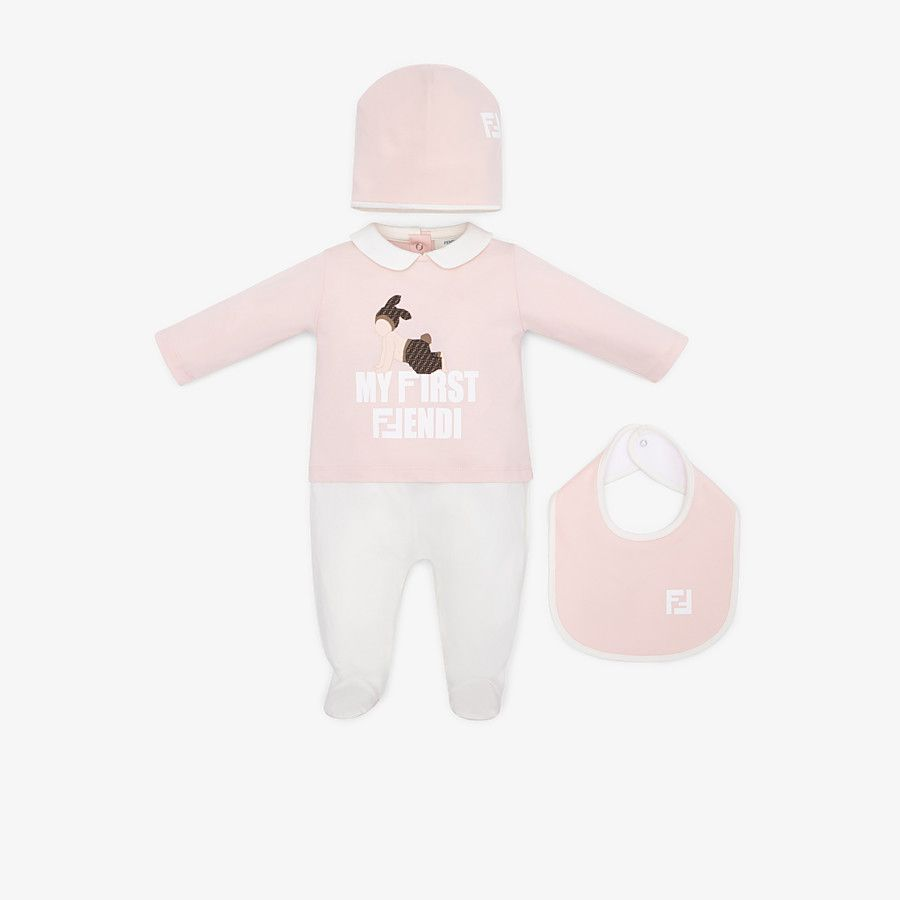BUK056 / F0C11 PINK / FENDI 'MY FIRST FENDI' FOOTIE/HAT/BIB SET