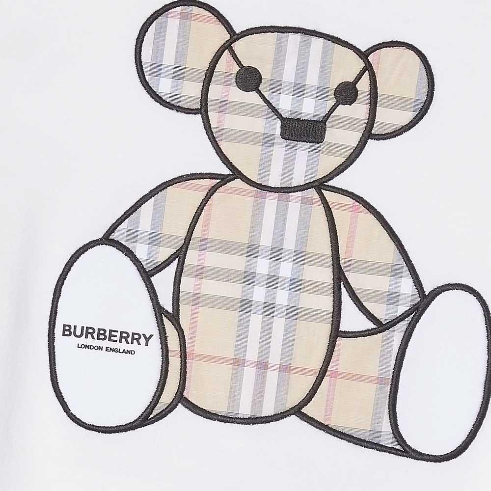 8022709 / WHITE / BURBERRY ONESIE W/BEAR