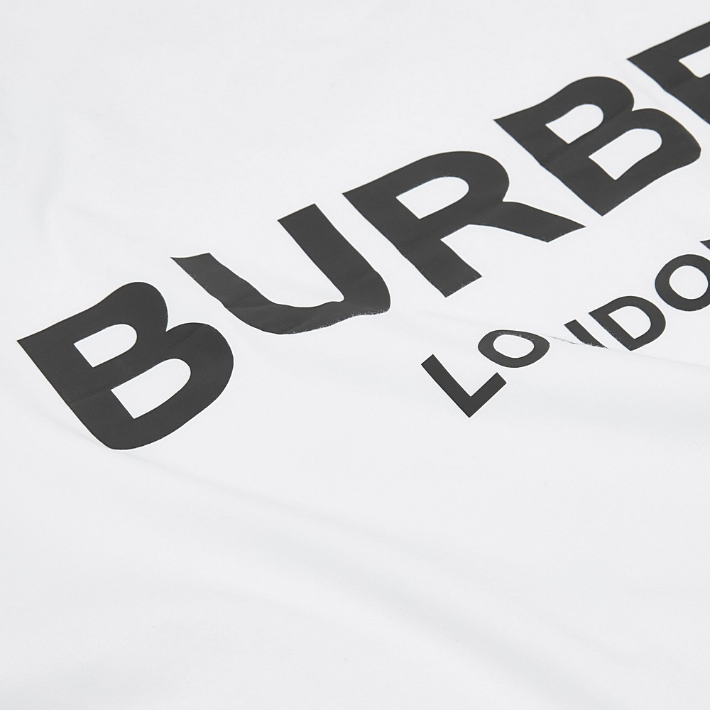 8025375 / WHITE / BURBERRY BLANKET W/LOGO